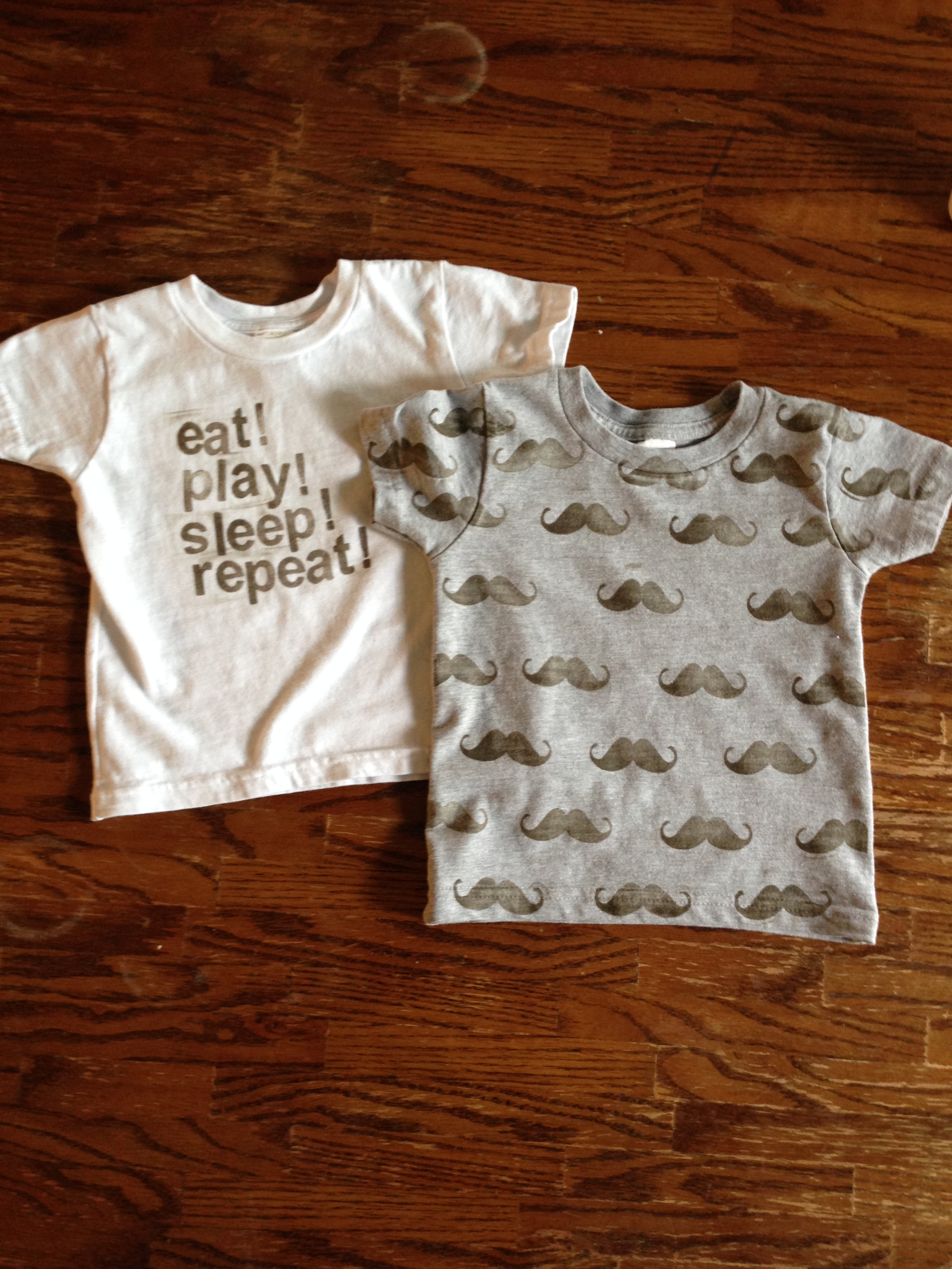 DIY hand stamped t-shirt and design ideas [tutorial]