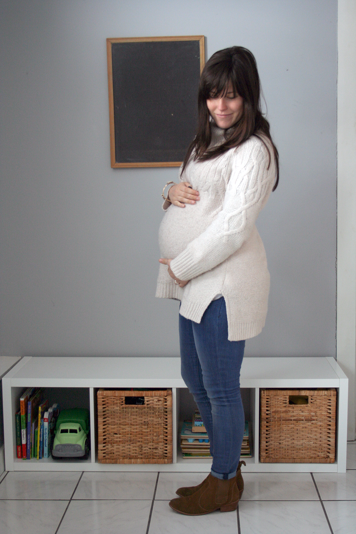 Wearing a capsule wardrobe while pregnant