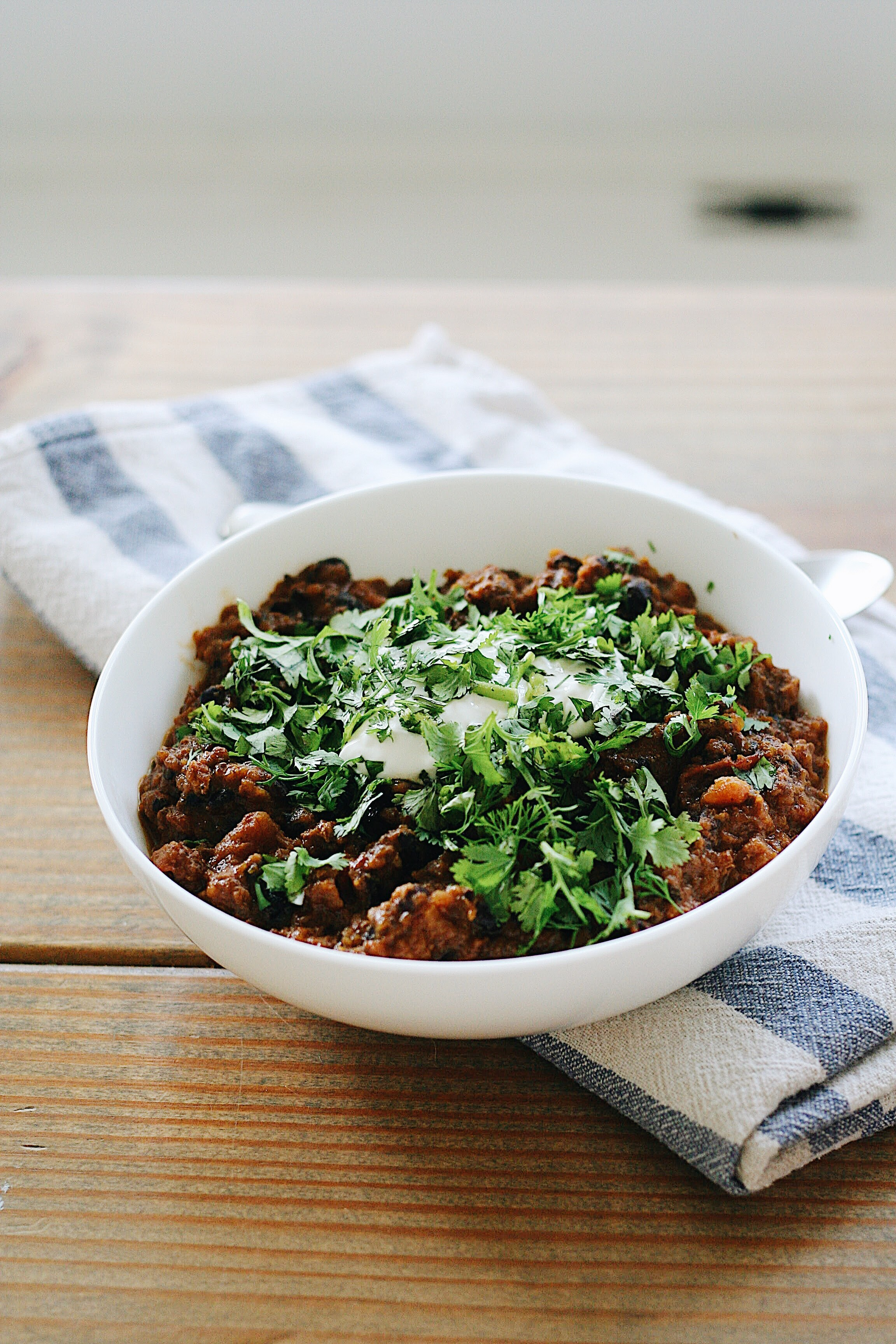 Butternut Squash Turkey Chili via thelovelylauralife.com